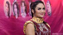 Tinggal di Rumah Petak Hingga Jadi Diva, Perjuangan Karier Krisdayanti