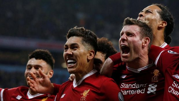 Roberto Firmino (kedua dari kiri) menjadi salah satu top skor Liverpool di Liga Champions musim ini.