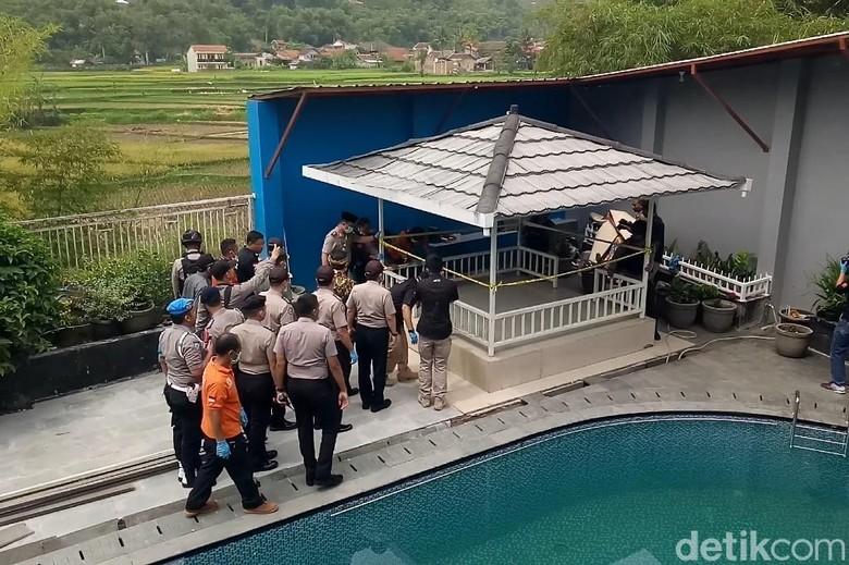 Polisi Temukan Bungker di Rumah Mewah Big Bos Miras Oplosan