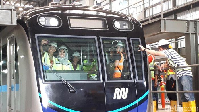 Gubernur DKI Jakarta Anies Baswedan Cek Depo MRT/Foto: Eduardo SImorangkir/detikFinance