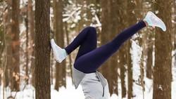 Mau punya fisik yang bugar dengan olahraga tidak perlu harus selalu menunjukkan keseksian. Seperti dibuktikan selebgram cantik dari Kanada ini.