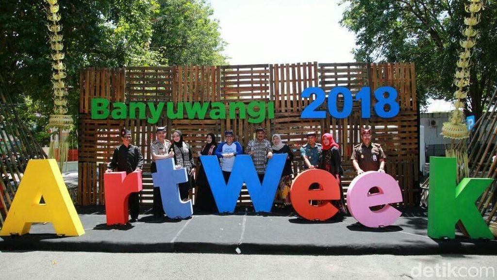 Lihat Produk Seni dan Kerajinan Lokal, di Banyuwangi Art Week Aja
