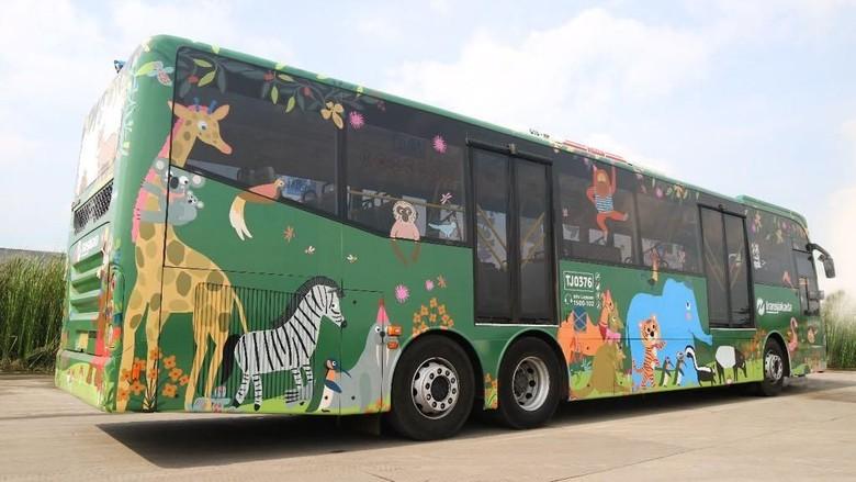 Lucu! Bus TransJakarta Berstiker Satwa