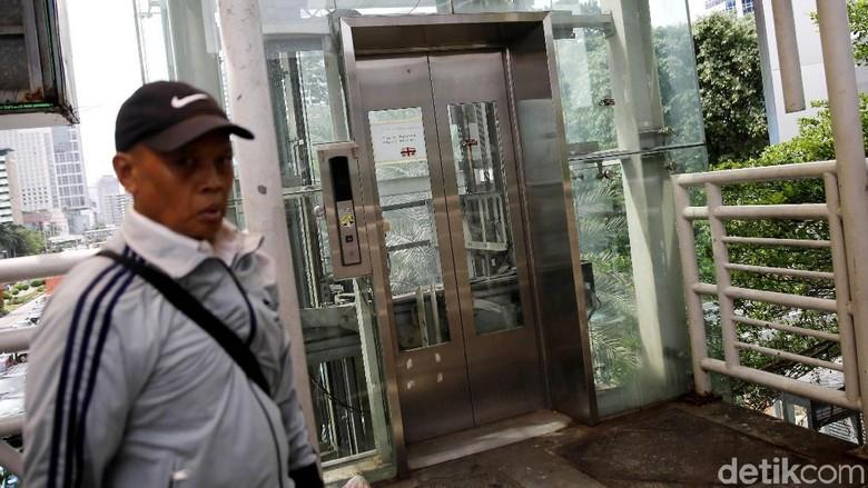Duh! Lift di Halte Tosari Mangkrak