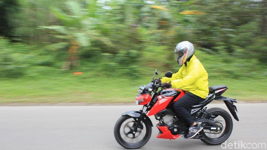 Merasakan Macet Bersama Suzuki GSX-S 150