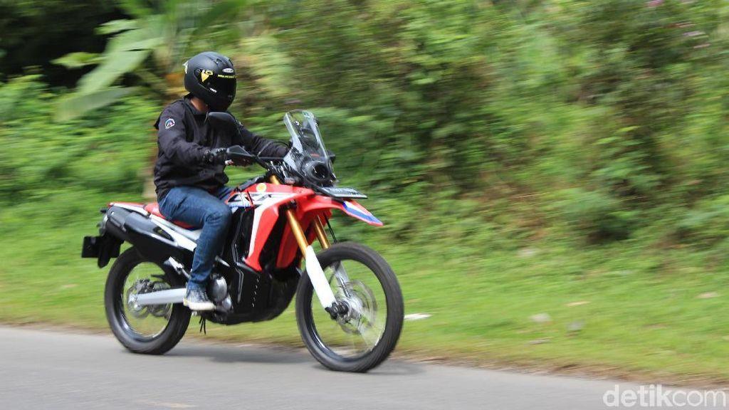 Membawa Honda CRF250 Rally Touring ke Puncak
