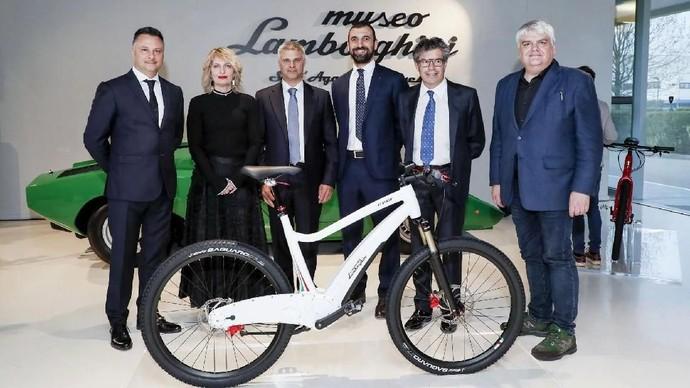 Keren Tidak Sepeda Listrik Ini?
