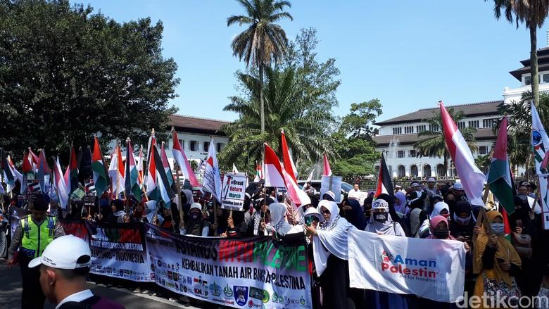 Aksi Bela Palestina Tetap Membara di Bandung