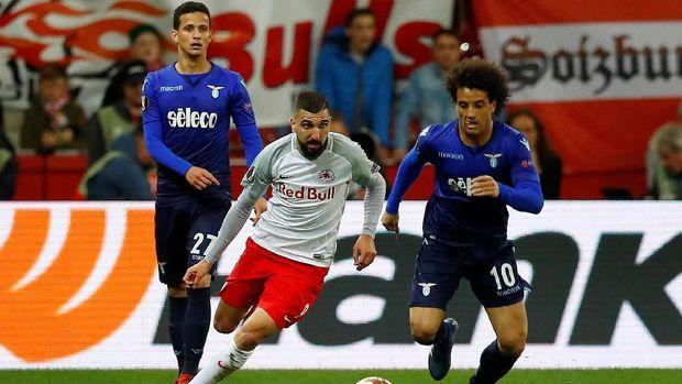 Lazio gagal mempertahankan keunggulan 4-2 atas Salzburg di leg pertama.