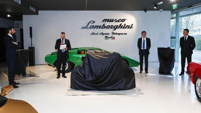 Keren Tidak Sepeda Listrik Lamborghini Ini?