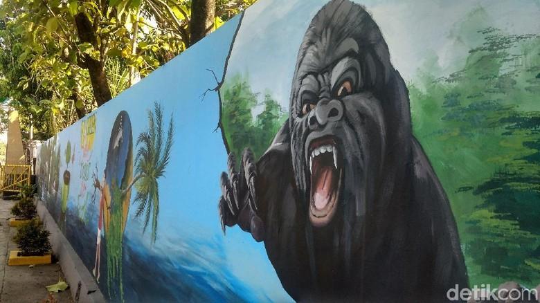 Foto Melihat Kampung Berhias Mural 3d Di Cirebon