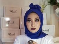 1. Hijab Pocong