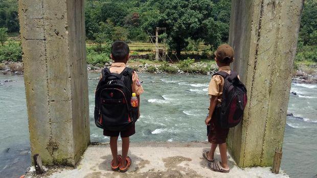 Patungan Membangun Jembatan Masa Depan di Sulawesi Selatan