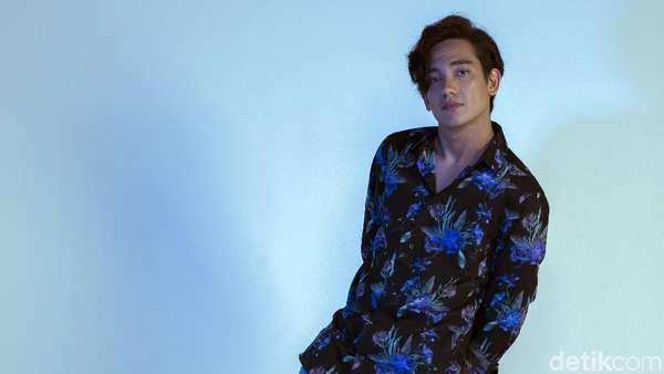 Adipati Dolken Summer Mode On!
