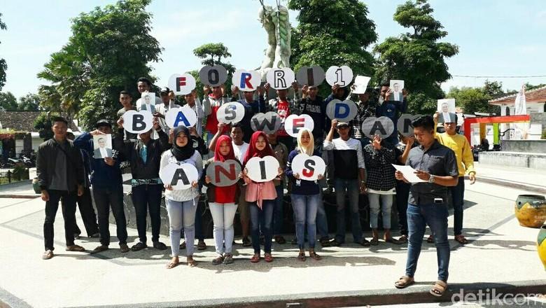 Sekelompok Anak Muda di Situbondo Beraksi Capreskan Anies Baswedan