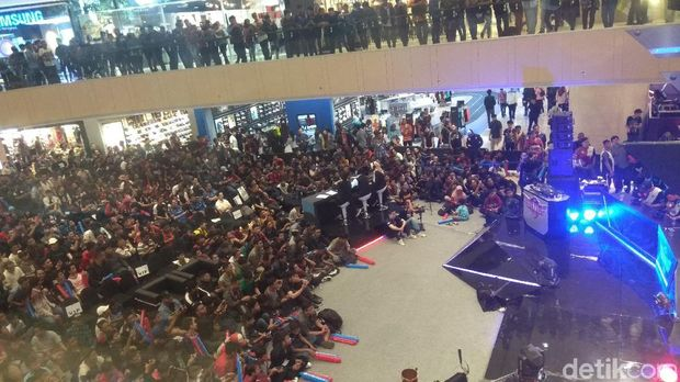 Grand Final ANC 2018 Pikat Ribuan Pecinta Game Surabaya