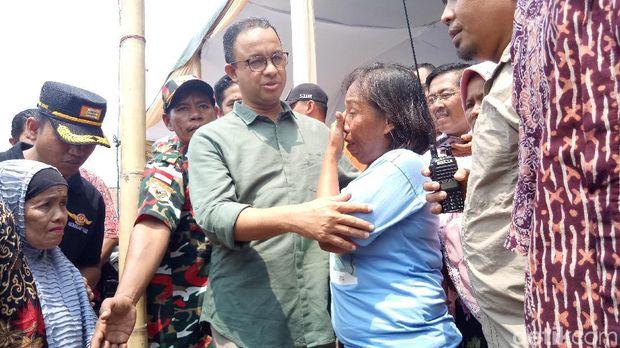 Anies Baswedan meninjau Kampung Akuarium, Penjaringan, Jakut, Sabtu (14/4/2018)