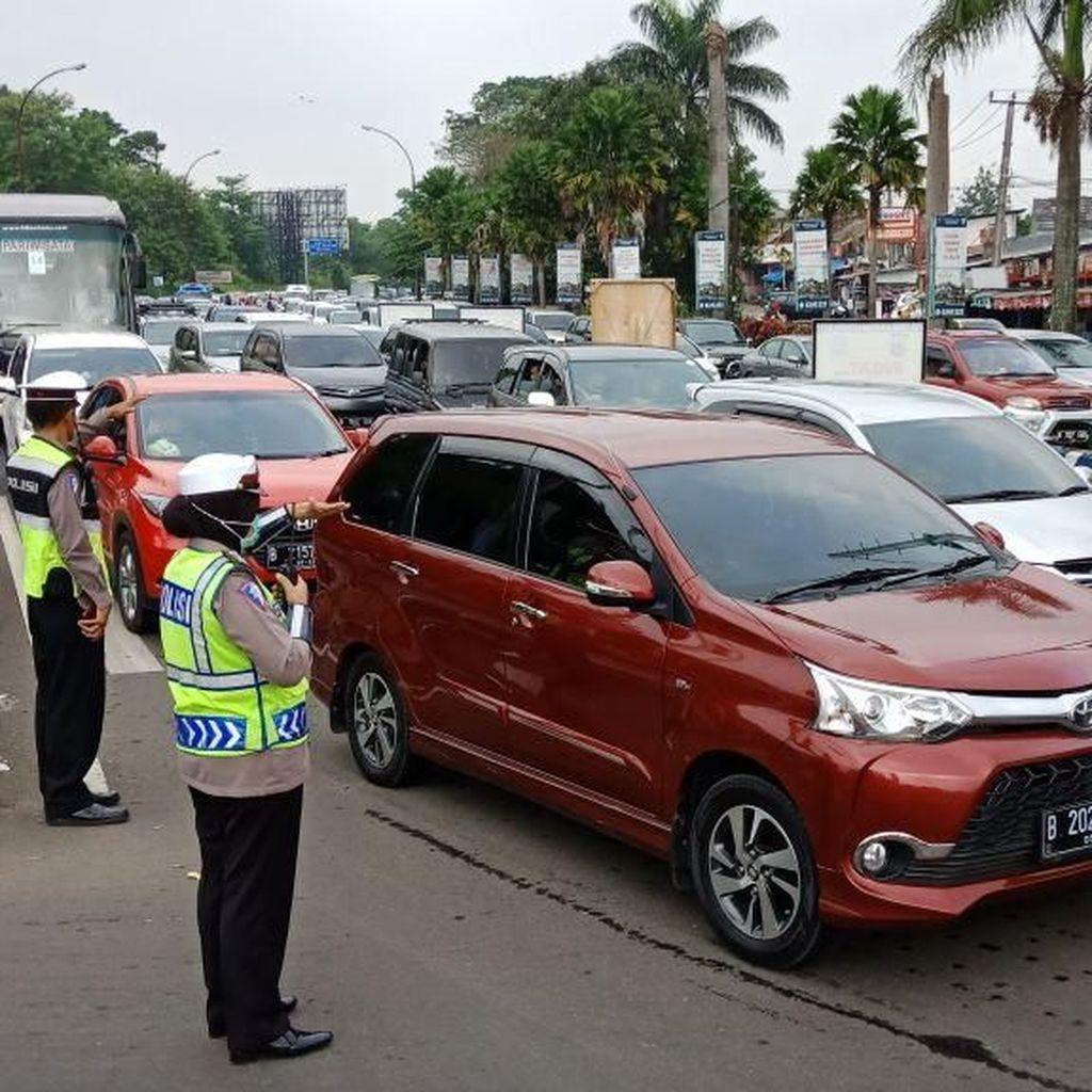 Telanjur Terjebak Macet di Puncak Bogor? Ikuti Saran Polisi Ini