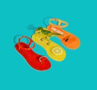 Unik! Sandal Jelly Milik Katty Perry Ini Keluarkan Aroma Buah Segar