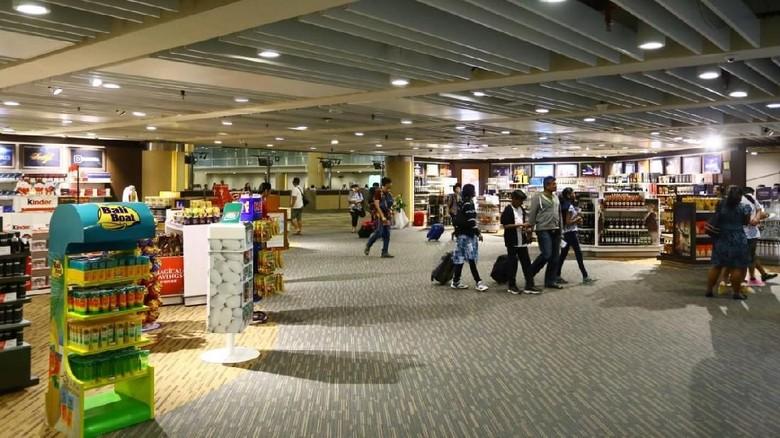 Foto: Duty free di terminal kedatangan Bandara I Gusti Ngurah Rai Bali (Istimewa)