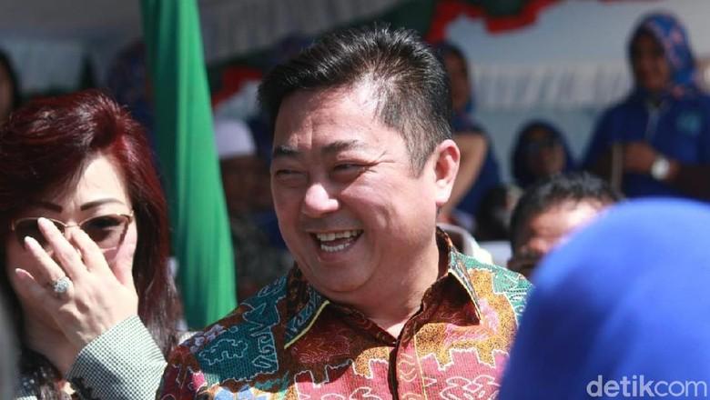 Foto: Bupati Kepulauan Sula (Randy/detikTravel)