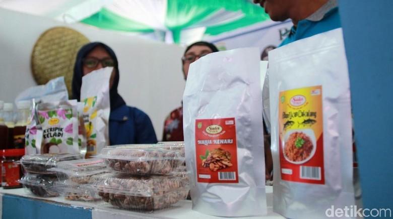 Foto: Produk lokal yang dipamerkan dalam Festival Potensi Unggulan Daerah di Sanana, Kepulauan Sula (Randy/detikTravel)