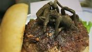 Berani Nyoba Makan Burger Tarantula?