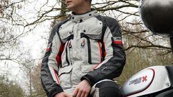 Rider Termuda yang Keliling Dunia Pakai Motor