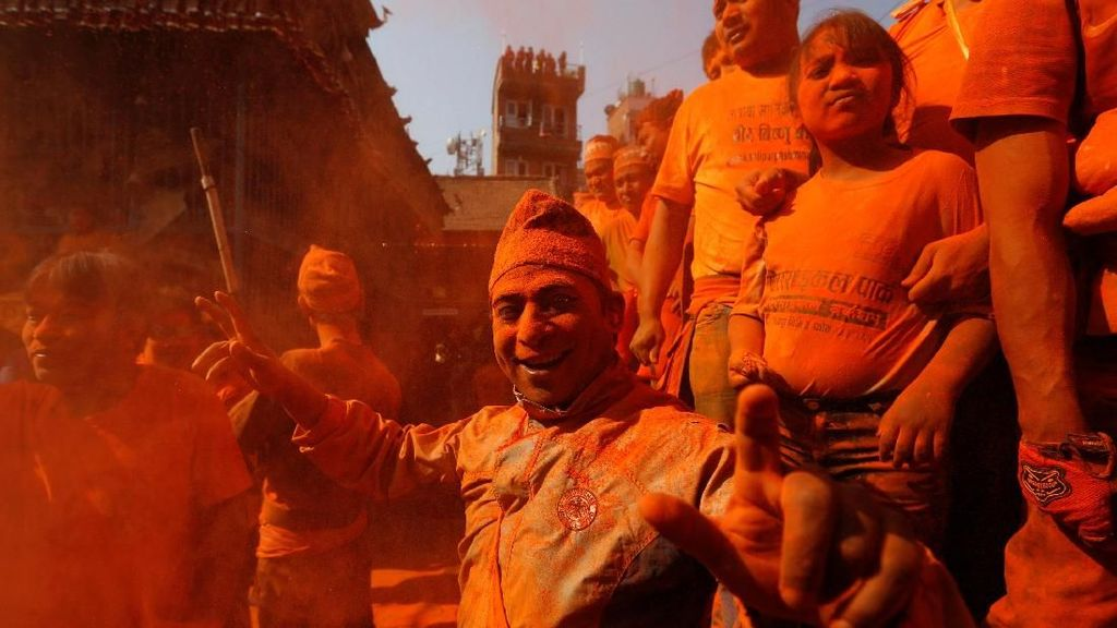 Foto: Meriahnya Festival Sindoor Jatra di Nepal
