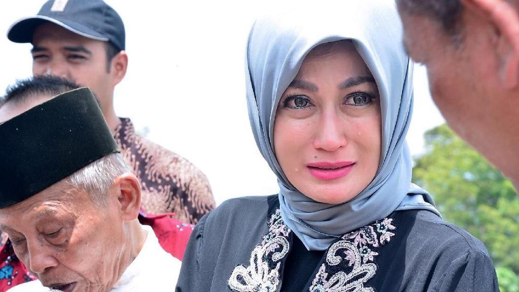 Sisca Dewi Ngaku Nikah Siri dengan Eks Pejabat Polisi, Ini Sosoknya