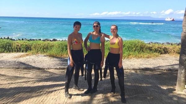 Ini foto ketika para alumni Miss Universe 2015 akan diving menikmati laut di wilayah Karangasem. Seperti apa ya nanti ekpresi mereka terpesona laut Bali? (anindyakputri/Instagram)
