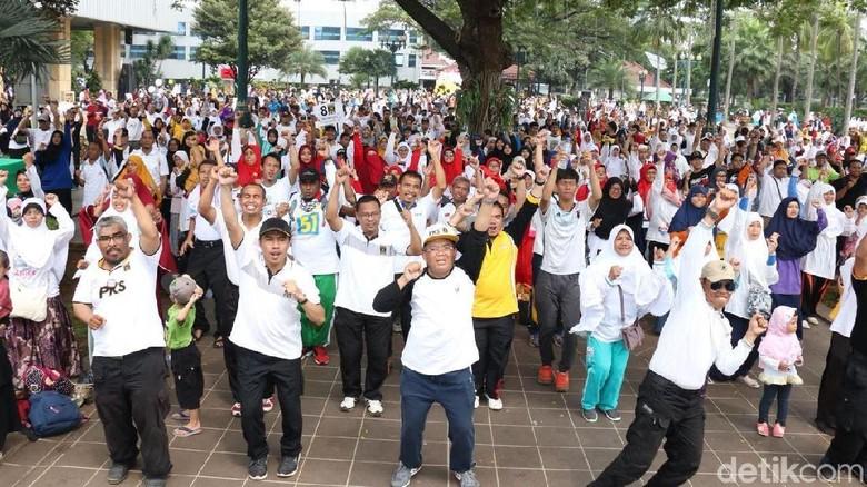 Foto: Senam dan Jalan Sehat PKS di Balai Kota Jakarta