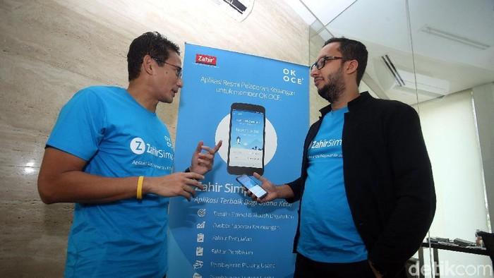Wakil Gubernur DKI Jakarta Sandiaga Uno dan CEO Zahir Internasional Muhamad Ismail meresmikan peluncuran aplikasi Zahir Simply (Rengga Sancaya/detikINET)