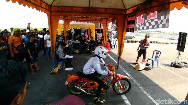 Drag Bike Honda C50, C70 dan C90
