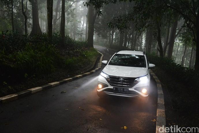 Mobil Toyota Buatan Indonesia yang Laris di Luar Negeri