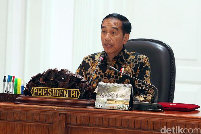 Dalam pembukaannya, Jokowi mengingatkan kembali bahwa ratas siang ini berawal pada 12 Februari 2018 saat sidang kabinet paripurna yang meminta adanya evaluasi pelaksanaan PSN.