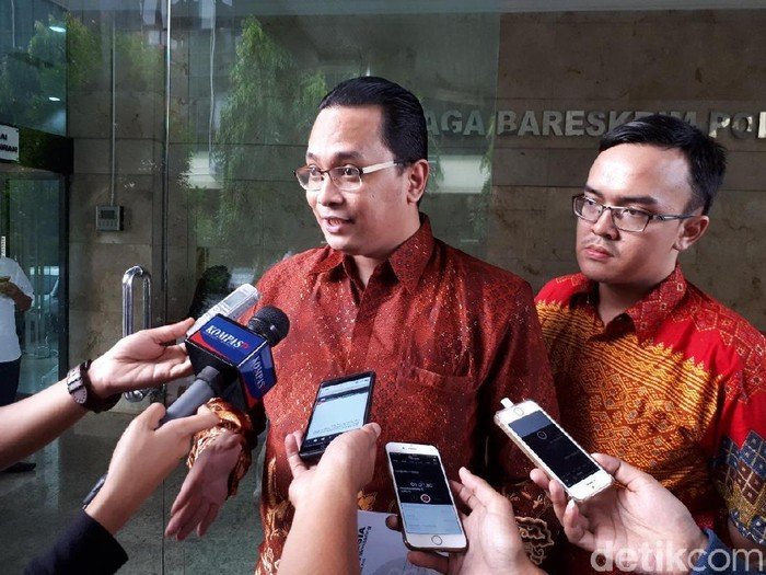 Cyber Indonesia, Jack Boyd Lapian polisikan Rocky Gerung