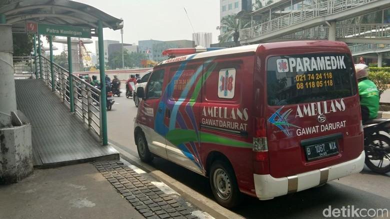 Pejalan Kaki Ditemukan Meninggal di JPO Halte Patra Kuningan