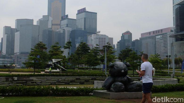 Di HarbourtArts Sculpture Park, patung-patung keren karya seniman dunia dipajang. Foto: Tia Agnes/ detikHOT