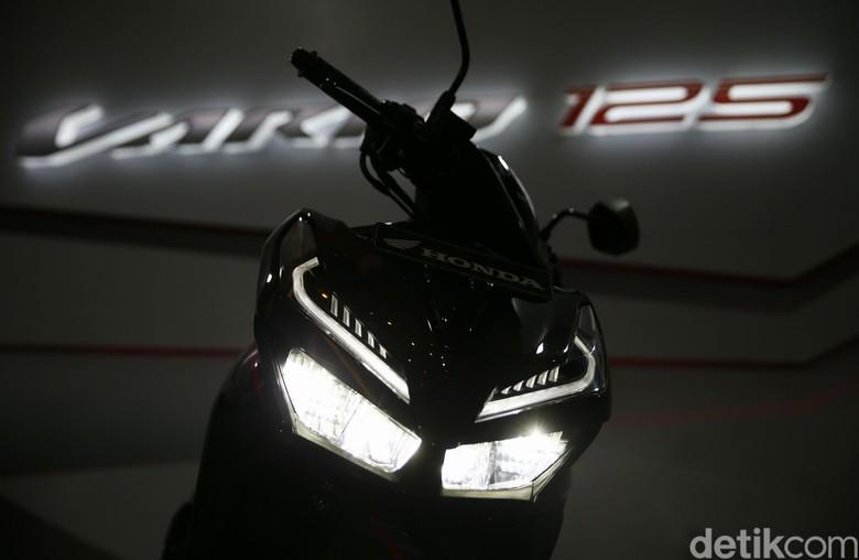 Honda Vario 125 (Foto: Agung Pambudhy)