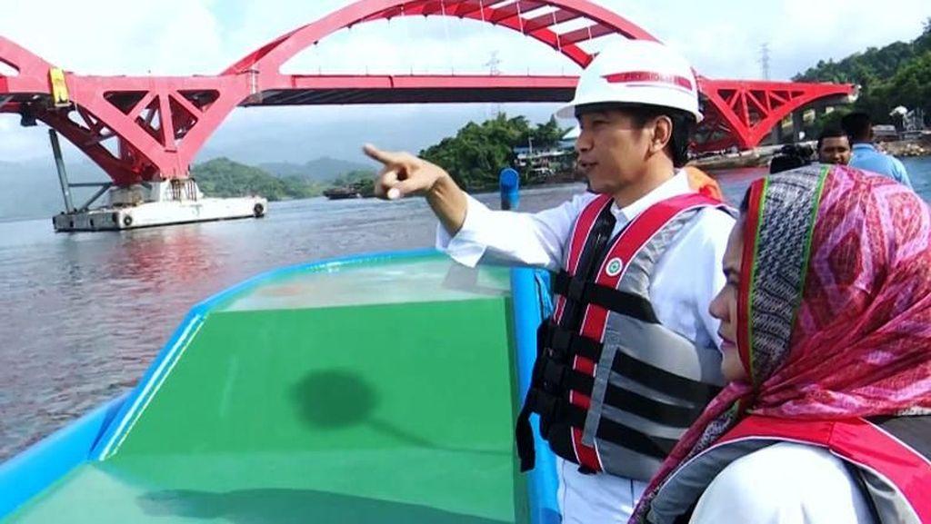 Jembatan Kebanggaan Jokowi di Papua Hampir Rampung