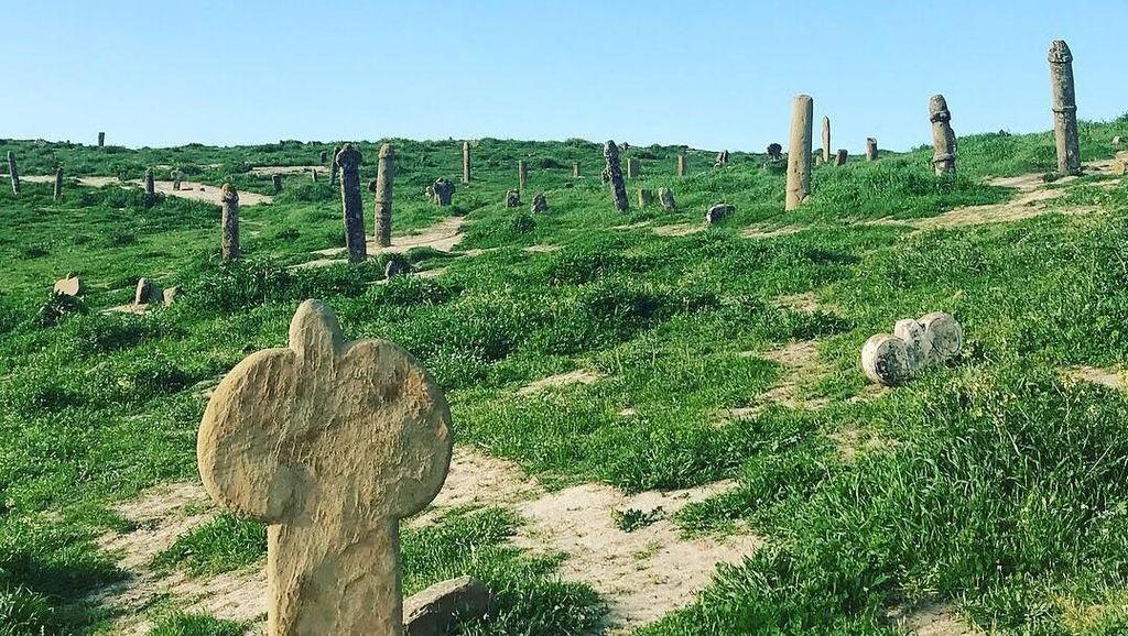 Makam Misterius di Timur Tengah, Nisannya Berbentuk Kelamin Manusia