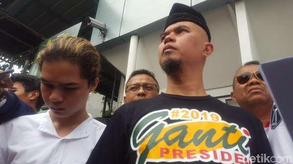 Temani Ahmad Dhani Jalani Sidang, Dul: Saya Support Ayah