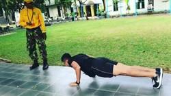 Menjadi Pasukan Pengaman Presiden (Paspampres) harus memiliki tubuh yang kuat. Begini lho mereka dilatih.