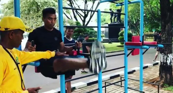 Berbagai materi latihan mulai dari senam aerobic, lari, dan berbagai gerakan yang dikombinasikan dalam bentuk circuit training, lanjut Suhartono. Foto: Instagram/suhartono323