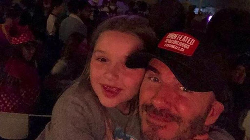 Cute-nya Harper Beckham Saat Ucapkan Selamat Ultah untuk Ayahnya