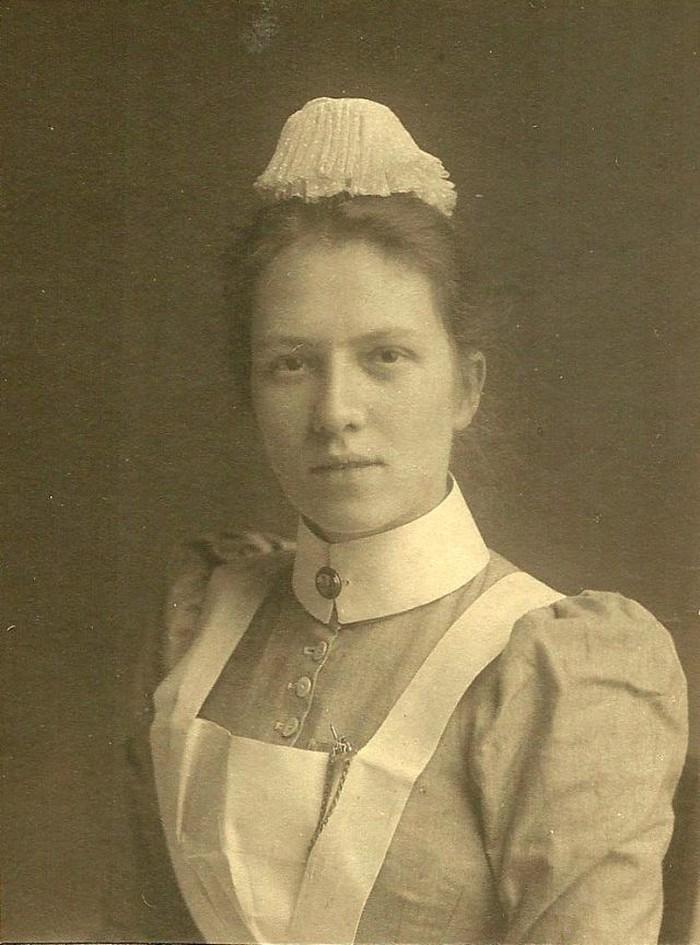 Ya, koleksi foto-foto dari Peter Maleczek, menunjukkan rupa perawat pada tahun 1900 sampai 1910. Foto: vintag.es