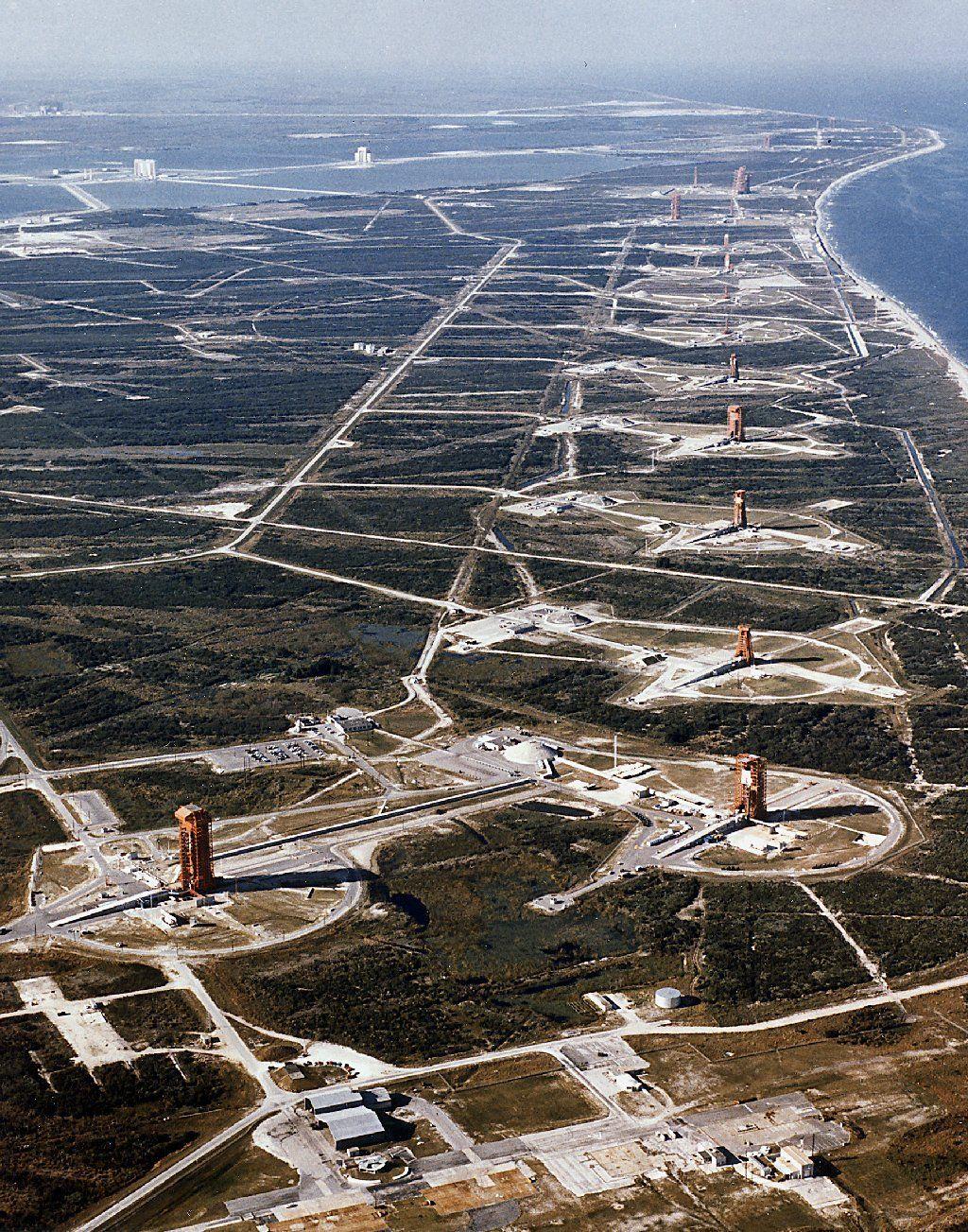 Di sini, terdapat puluhan titik peluncuran roket, namun hanya lima diantaranya yang aktif (Wikipedia)