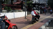 Pejalan Kaki yang Dipukul di Trotoar Belum akan Polisikan Pemotor