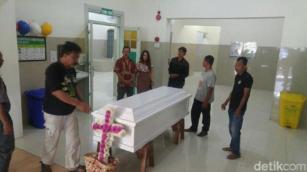 Proses kremasi jenazah Andrey.